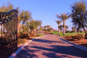 Drama begins at the gates of La Quinta Country Club